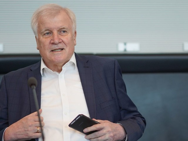 Horst Seehofer: Verantwortung für Katastrophenschutz sollte bei Ländern liegen