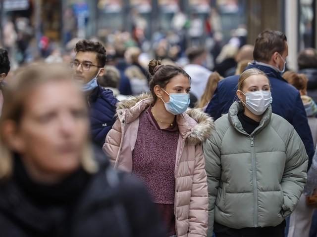 Umfrage: Mehrheit der Jugend nimmt Rücksicht in der Pandemie