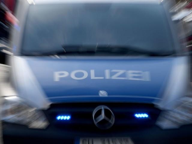 In Weil am Rhein: Frau stößt Unbeteiligte nach Streit mit Mutter ins Gleisbett