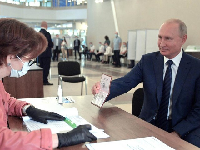Mehrheit bei Referendum: Putin kann nun regieren, bis er 83 ist