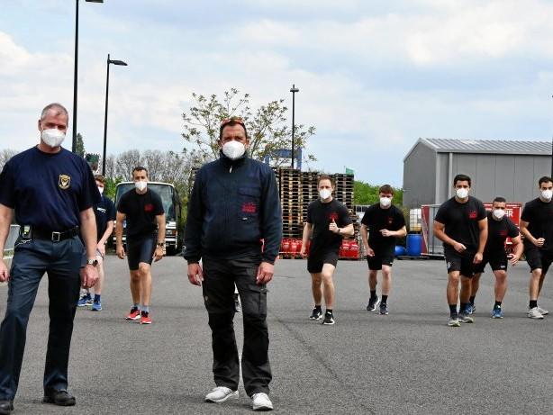 Spendenaktion: Feuerwehr Duisburg läuft 48 Stunden für verletzte Kinder