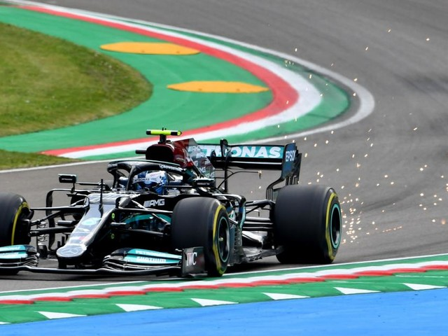 Mercedes gibt zum Imola-Auftakt den Ton an