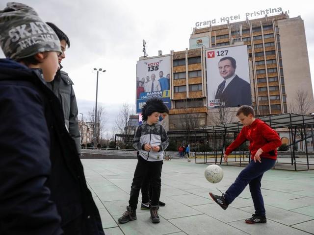"""Die jungen Kosovaren wollen für einen """"neuen"""" Kosovo stimmen"""