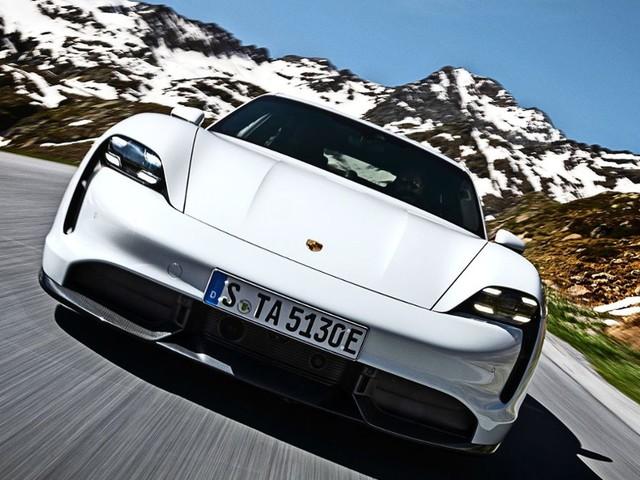 Porsche Super Bowl Werbespot: Fast and Furios in Zuffenhausen