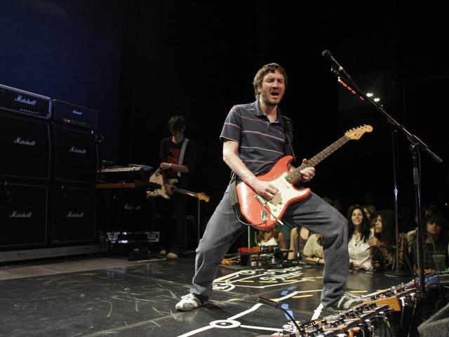 Red Hot Chili Peppers kündigen Welttournee für 2022 an – mit John Frusciante