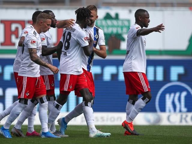2. Fußball-Bundesliga: HSV siegt in Karlsruhe - Pfiffe gegen Jatta