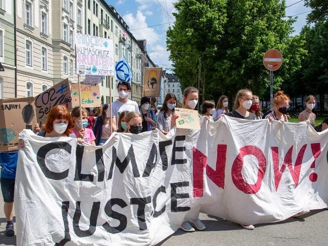 100 Tage vor der Bundestagswahl: Fridays for Future startet mit regelmäßigen Klimastreiks