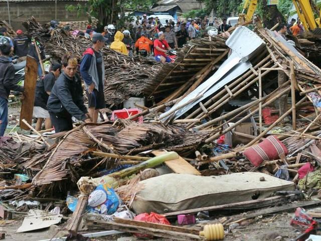 Mehr als 60 Tote nach Tsunami in Indonesien