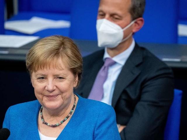 Letzte Regierungsbefragung: Angela Merkel gut gelaunt