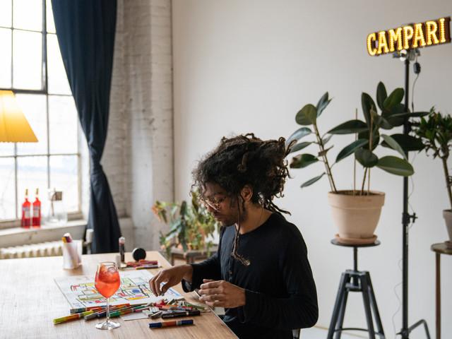 Endlich wieder Kunst live erleben – Auf zur Campari SecRED Gallery quer durch Berlin-Mitte