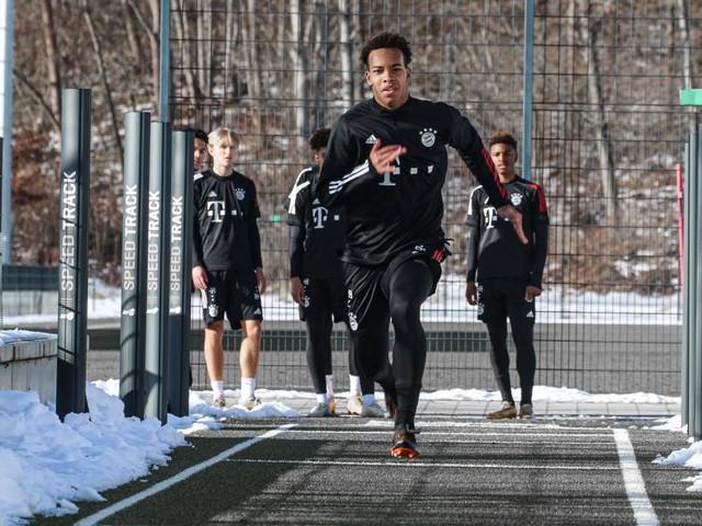 Mit 17 Jahren geht Traum beim FC Bayern in Erfüllung