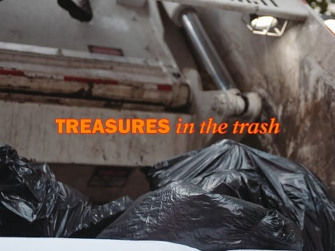 Treasures in the Trash – Mann sammelt 34 Jahre Abfall New Yorks und macht ein Museum daraus