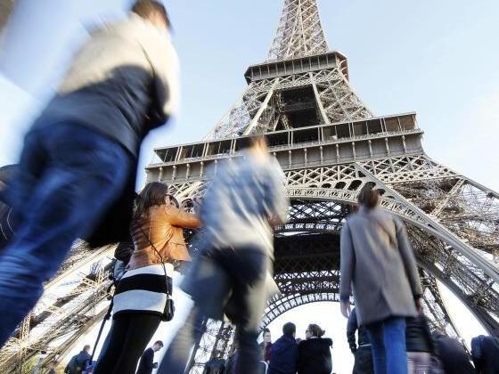 Deutsche kommen nach Terroranschlägen wieder nach Paris