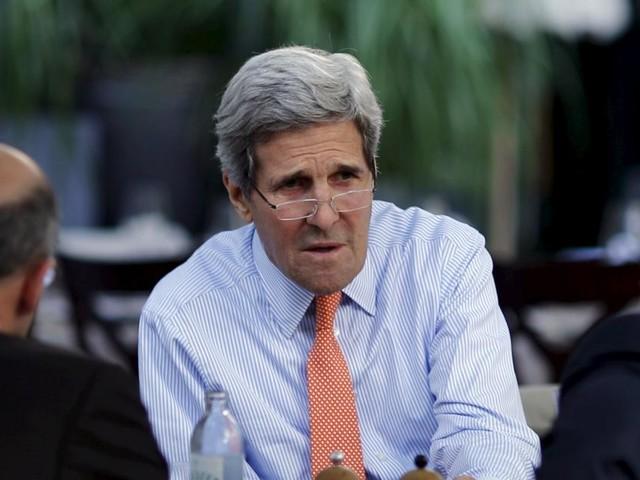 John Kerry: Weltpolitik auf der Bank im Resselpark
