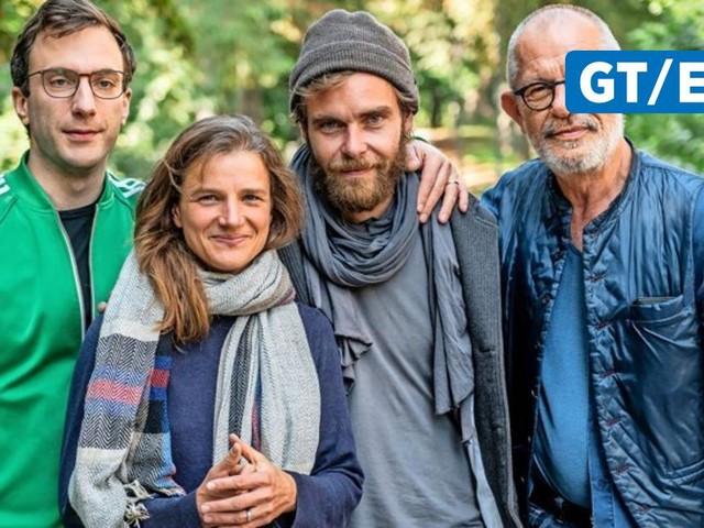 """""""Pop Up (Play)"""" am Deutschen Theater: Drei Handlungsstränge, keine Rollen und eine große Frage ohne Antwort"""