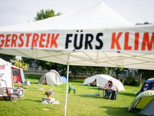 Nach Hungerstreik - Aktivisten kritisieren Union, SPD und Grüne