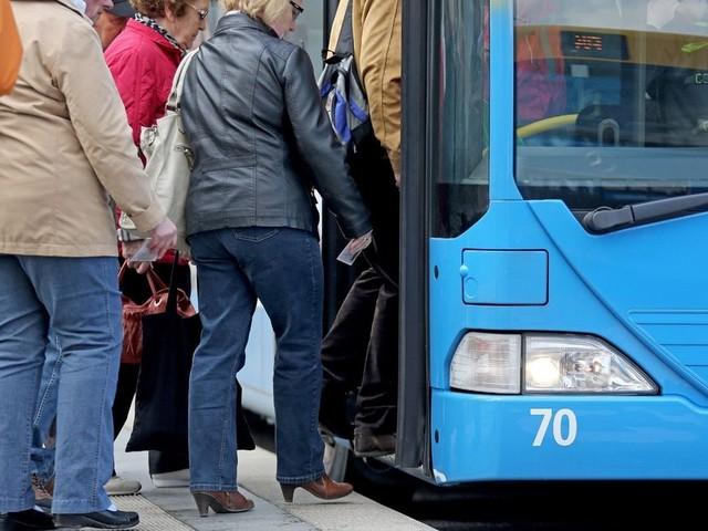 Warum keine GEZ-Gebühr für Bus und Bahn?