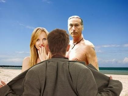 Schock am FKK-Strand: Exhibitionist entblößt sich vor entsetzten Badegästen