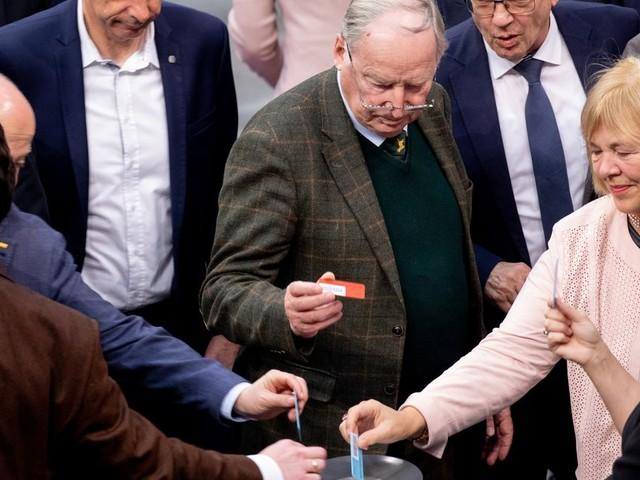 Migrationspakt: AfD und die Linke stimmen gegen GroKo-Antrag