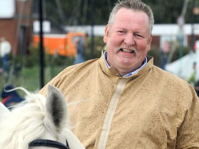 """Tamme Hanken: Sein Pferd """"Jumper"""" ist tot - Witwe von """"Knochenbrecher"""" trauert"""
