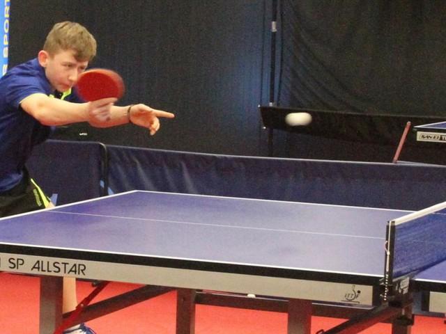 Zu Hause beim 12-jährigen Gewinner eines Tischtennis-CL-Matches