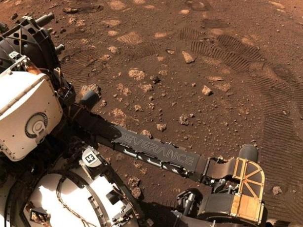 """Mars-Mission: Rover """"Perseverance"""" entnimmt zweite Probe aus Mars-Gestein"""