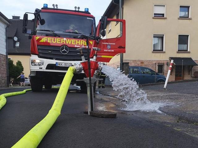 Nicht genug Löschwasser: Feuerwehr in Bad Orb sitzt auf dem Trockenen