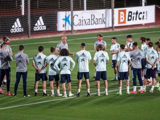 Nach Corona-Schock vor EM-Start: Spaniens Team wird nun geimpft