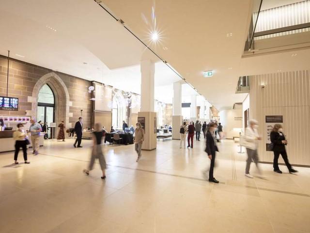 """Alten Schloss in Stuttgart: Landesmuseum feiert Eröffnung des neuen Foyers """"Dürnitz"""""""