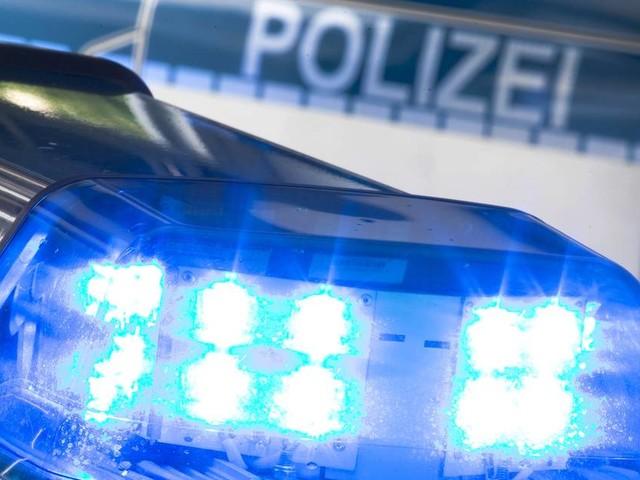 Jugendliche lag verletzt an Garagenkomplex: 16-Jährige in Sachsen getötet – Fahndung nach Täter