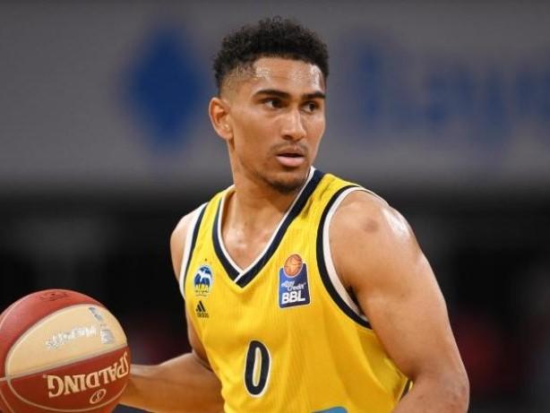 Basketball: Nationalspieler Lo verlängert für zwei Jahre bei Alba