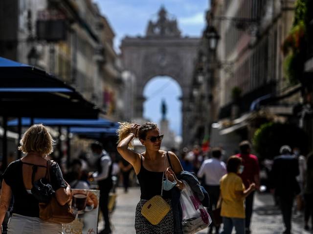 Portugal hebt Maskenpflicht im Freien auf