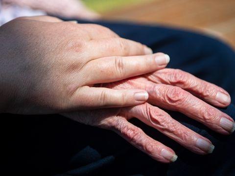 Arbeitsmarkt: Zulauf zu Altenpflege stockt
