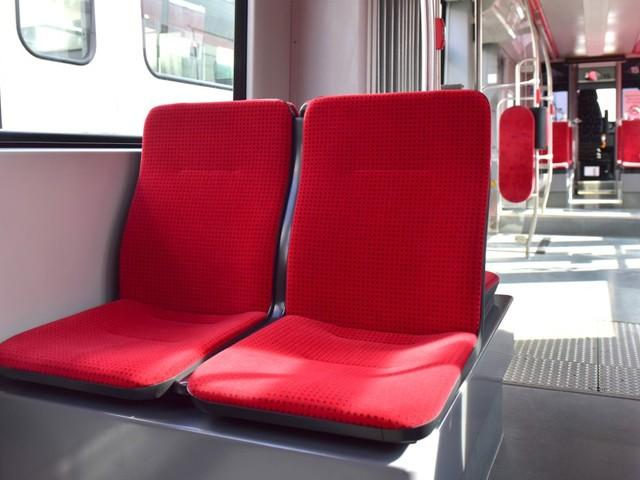 Aktion: DSW21-Fahrgäste können in Linien U43 und U44 neue Sitze testen und bewerten