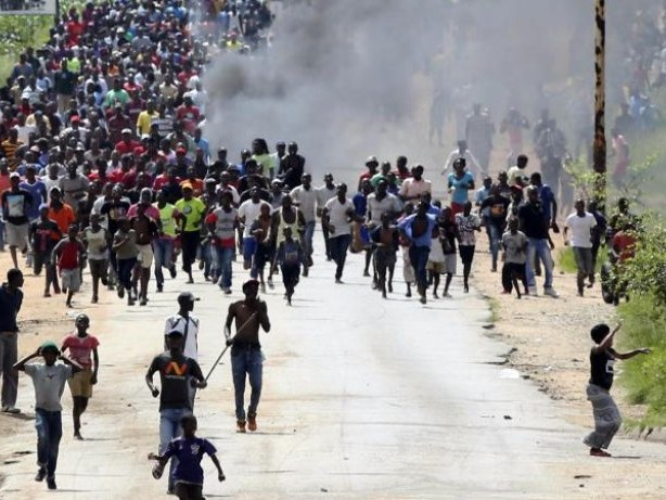 Reisewarnung: Urlauber sollten Zentren der Metropolen in Simbabwe meiden