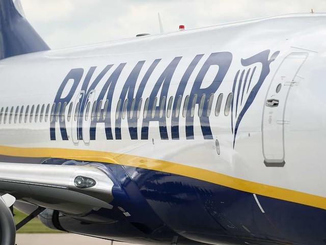 Ryanair-Flug aus Berlin: Feuer-Alarm im Cockpit - Maschine muss in Griechenland notlanden