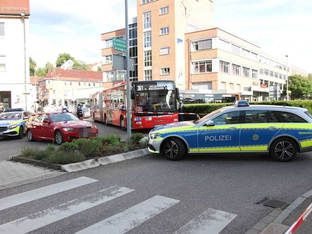 Backnang: Siebenjähriger stirbt nach Unfall an Fußgängerüberweg