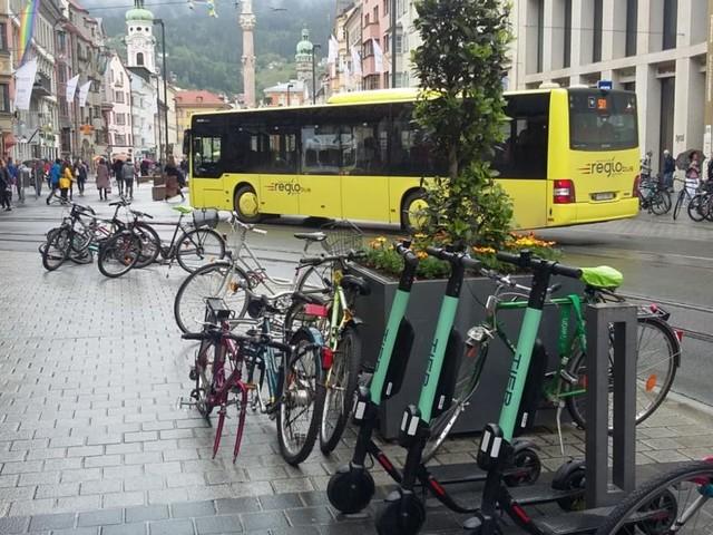 Miet-Scooter dürfen in Innsbruck auch in der Nacht rollen