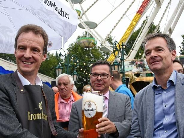 Wendener Kirmes: Fass-Anstich am Riesenrad eröffnet Wendener Kirmes offiziell