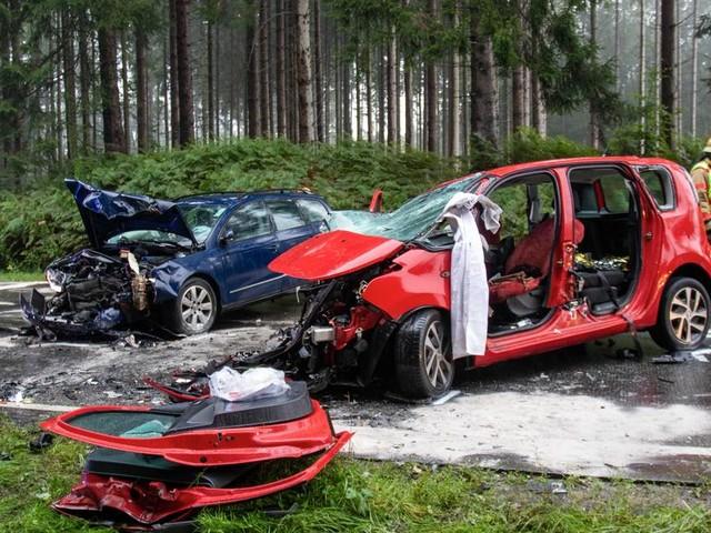 Frontalzusammenstoß: Zwei Schwerverletzte bei Unfall auf Monschauer Straße