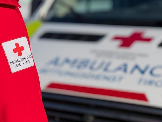 Mehrere Verletzte bei Verkehrsunfällen in Tirol