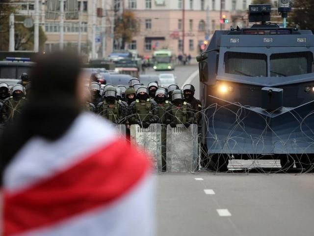 Belarus: 100.000 auf der Straße, Lukaschenko antwortet mit Gewalt