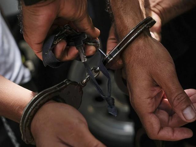 Beweggründe noch unklar: Entflohener Häftling stellt sich in Sydney nach 30 Jahren der Polizei
