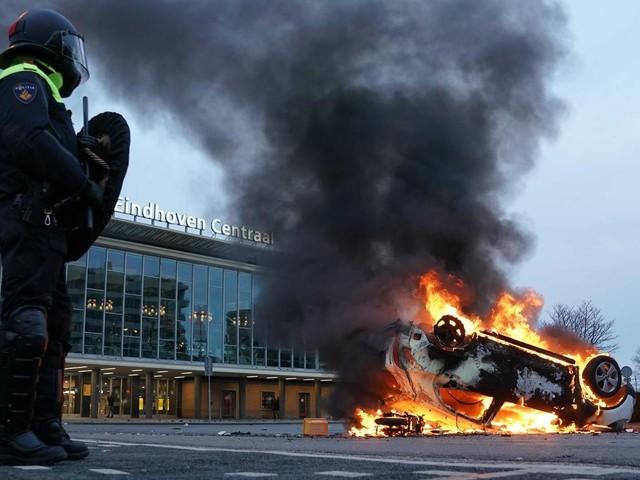 Corona-Proteste in den Niederlanden: Die Wut kocht über