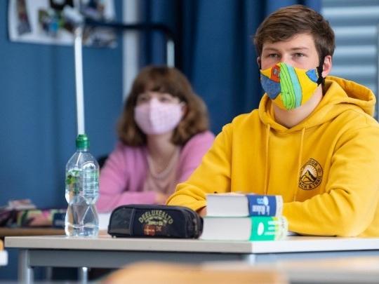 Corona-Pandemie - Wann sollen Kitas und Schulen wieder vollständig öffnen?