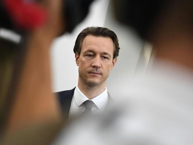 Vertrauensindex: Finanzminister Blümel stürzt ab