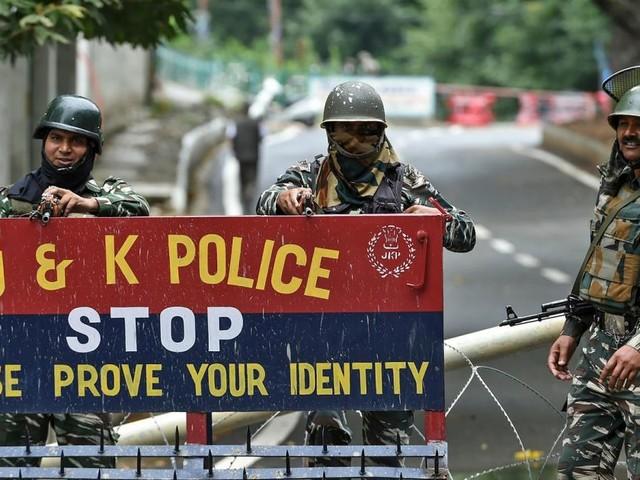 Feuergefecht indischer und pakistanischer Soldaten in Kaschmir