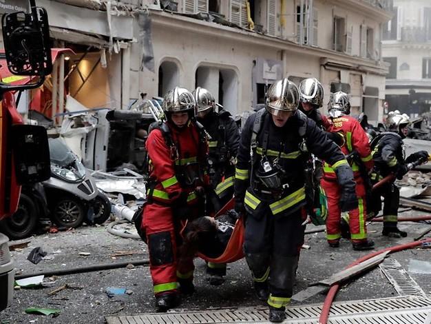Polizei im Großeinsatz: Heftige Explosion im Zentrum von Paris – mehrere Verletzte