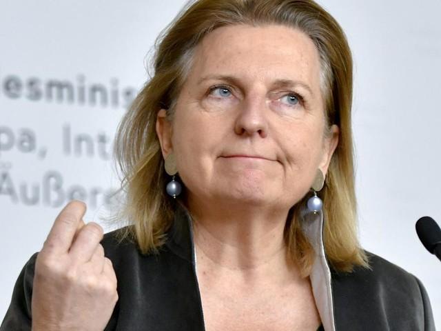 """Kneissl in der Pressestunde: Identitäre """"inakzeptabel"""""""