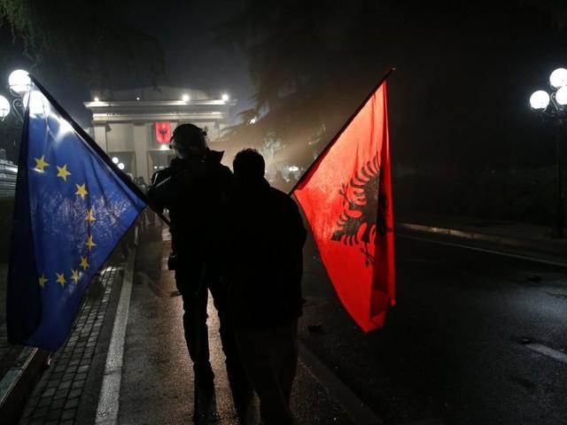 Nordmazedonien und Albanien: EU-Beitrittsverhandlungen verzögern sich